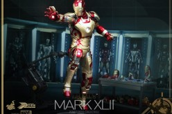 Hot Toys Iron Man 3: 1/6th Scale Power Pose Mark XLII Collectible Figurine