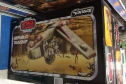 TRU Exclusive Star Wars Republic Gunship Found At US Retail