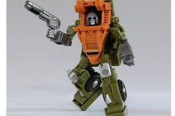 iGear Transformers MW-03 Hench Comic Style Repaint Announced