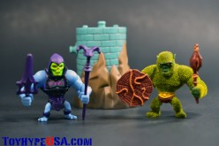 Masters Of The Universe Minis Battle Armor Skeletor Vs. Moss Man Review