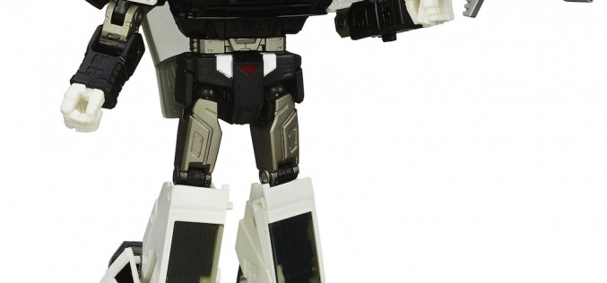 "Toys ""R"" Us Exclusive Transformers Masterpiece Prowl & Sunstorm Sighted"