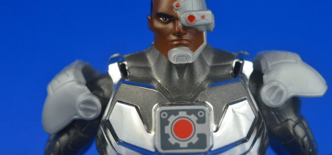 SDCC 2014 Exclusive DC Total Heroes Ultra Cyborg Review