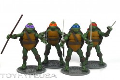 "SDCC Toys ""R"" Us Exclusive Teenage Mutant Ninja Turtles Classics Wave 3 Review"