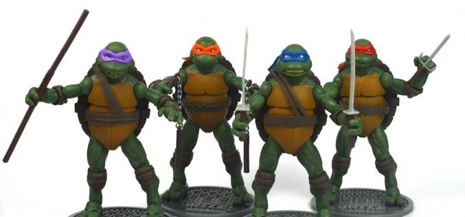 "SDCC Toys ""R"" Us Exclusive Teenage Mutant Ninja Turtles Classics Wave 3 Review"