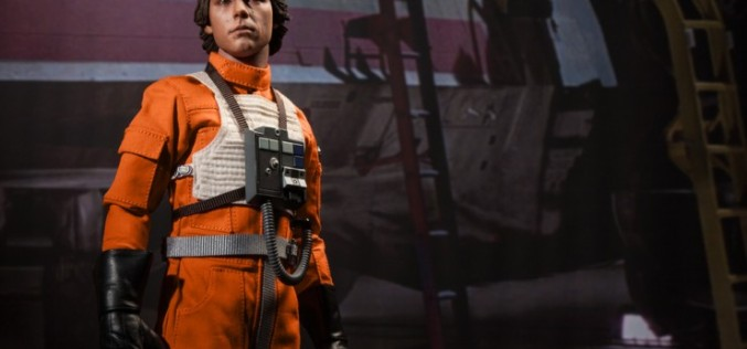 Sideshow Luke Skywalker: Red Five X-Wing Pilot Sixth Scale Figure Pre-Orders