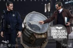 Hot Toys The Dark Knight Rises Jim Gordon & John Blake With Bat Signal