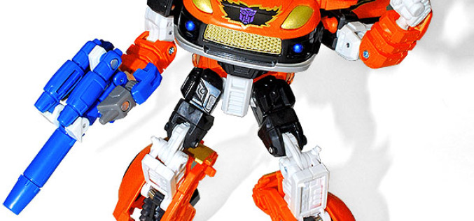 BotCon 2015 Exclusive Shattered Glass Stepper Figure Revealed