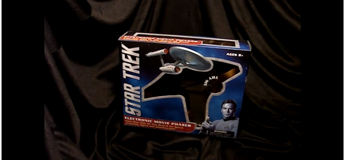 Diamond Select Toys Star Trek III Phaser Video Preview