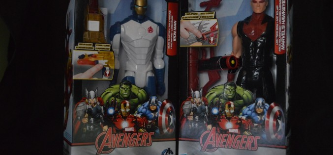 Avengers Titan Heroes Iron Man And Hawkeye Deluxe Electronic Action Figure Set Review
