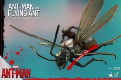 Hot Toys Ant-Man On Flying Ant Miniature Collectible