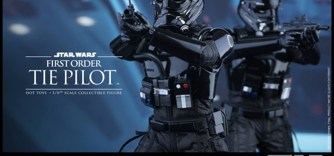 Hot Toys Star Wars The Force Awakens TIE Fighter Pilot Sixth Scale Figure