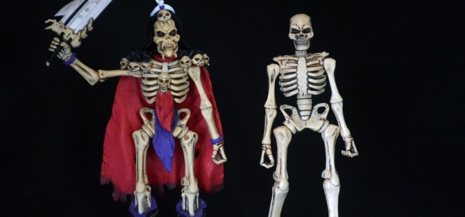 SDCC 2015 Exclusive October Toys Deluxe Bone Titan Skeleton Review