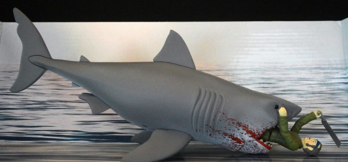 Funko Jaws ReAction 2015 Summer Convention Exclusive Bloody Jaws With Quint Review