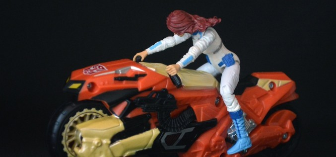 Transformers Collectors' Club Marissa Fairebown With Afterbreaker Review