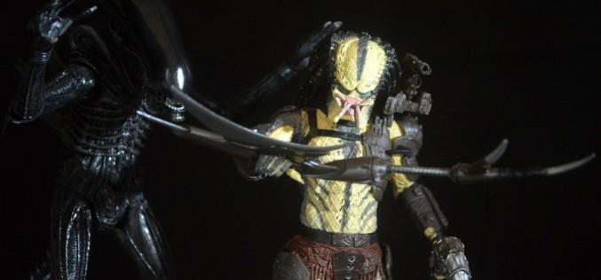 "NECA Toys ""R"" Us Exclusive Alien Vs. Predator 2 Pack Review"
