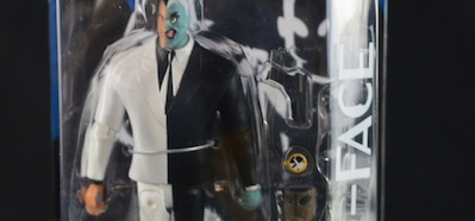 DC Collectibles The New Batman Adventures Two-Face Figure Review
