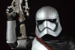 Star Wars Exclusive Captain Phasma Elite Series Die Cast Figure Review