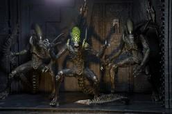 NECA Toys Closer Look – Alien 7″ Series 7 Action Figures