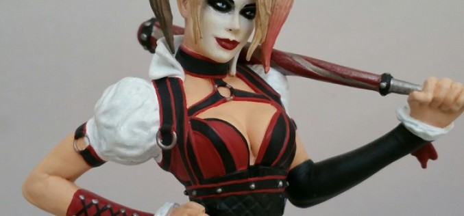 GameStop Exclusive Batman: Arkham Knight Harley Quinn Statue Paperweight