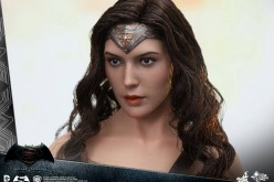 Hot Toys Batman v Superman: Dawn Of Justice Wonder Woman Sixth Scale Figure