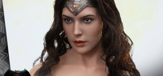 Hot Toys Batman v Superman: Dawn Of Justice Wonder Woman Sixth Scale Figure