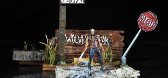 McFarlane Toys The Walking Dead Wolves Not Far Construction Set Review