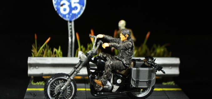 McFarlane Toys The Walking Dead Daryl Dixon With Chopper Construction Set Review