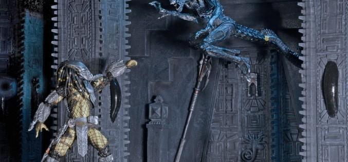 NECA Toys Alien vs Predator Diorama Element – Pyramid Pillar & Glow-In-The-Dark Egg Carton