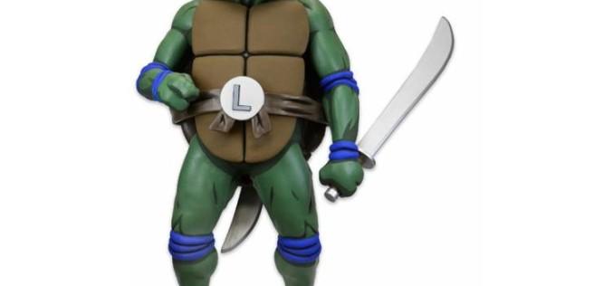 NECA Toys Teenage Mutant Ninja Turtles Full Size Foam Figure Prop Replica – Leonardo
