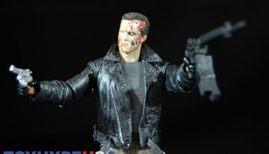 NECA Toys Terminator ‪Ultimate‬ Police Station Assault T-800 7″ Figure Review