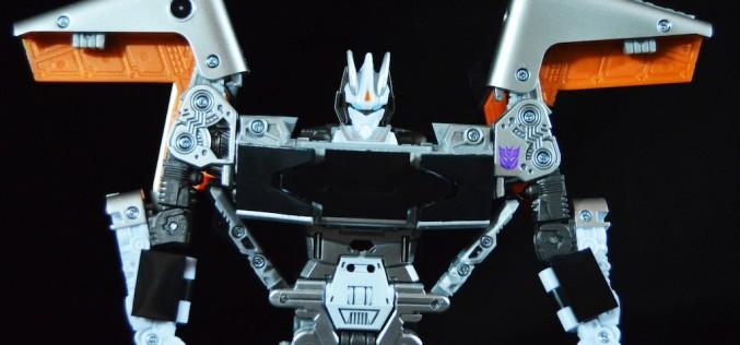 SDCC 2016 Exclusive Hasbro Transformers Evolution Soundwave Figure Review