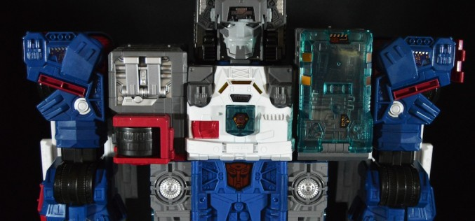 SDCC 2016 Exclusive Hasbro Transformers Titans Return Titan Class Fortress Maximus Review