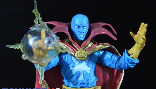 Disney Store Exclusive Marvel Select 7″ Doctor Strange Figure Review