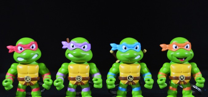 First-Look: Jada Toys Teenage Mutant Ninja Turtles Metals Die-Cast Keychain 2″ Figures Review