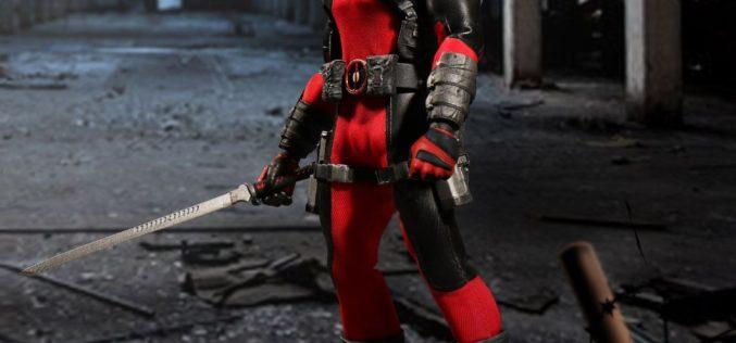 Mezco Toyz One:12 Collective Deadpool Figure