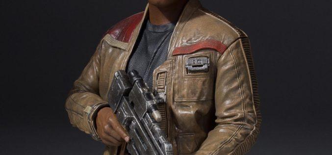 Gentle Giant Star Wars: The Force Awakens Finn Mini Bust