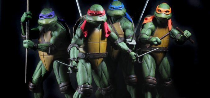 NECA Toys Teenage Mutant Ninja Turtles 1/4″ Michelangelo Figure (Update)