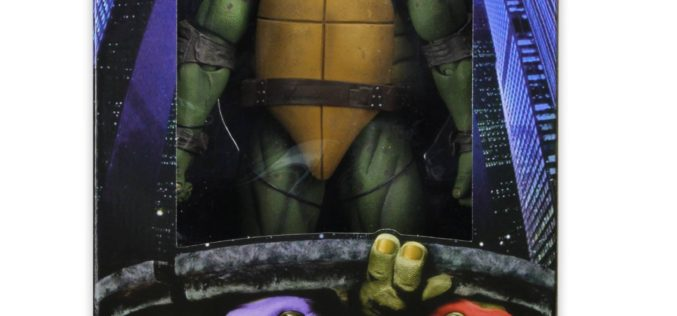 Entertainment Earth Now Shipping NECA Toys Teenage Mutant Ninja Turtles 1/4″ Scale Raphael Figure