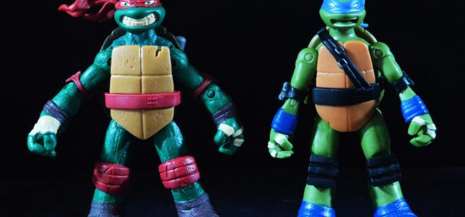 Playmates Toys Teenage Mutant Ninja Turtles Battle Shell Leonardo & Hothead Raph Figures Review