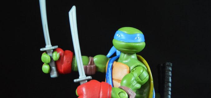 Playmates Toys Teenage Mutant Ninja Turtles Knockout Ninja Leo Figure Review